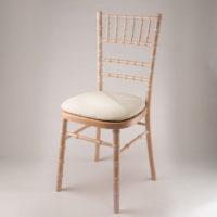 Chaise en bambou cerisée